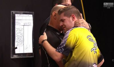 Grand Slam of Darts: Berry van Peer vows not to give up amid Dartitis   Other   Sport   Express ...