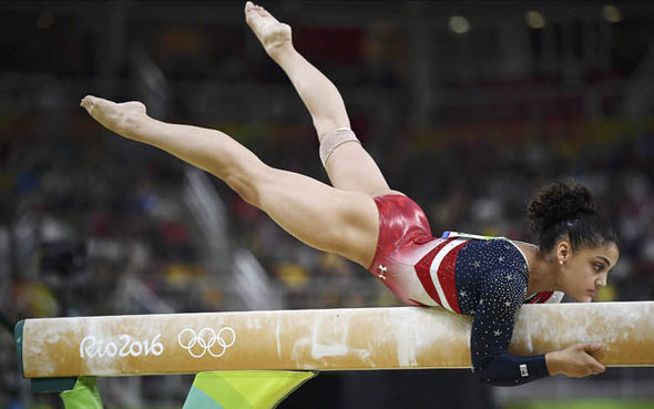 Girl Watching Stars Wallpaper Rio 2016 Laurie Hernandez Winks At The Judges And Wins