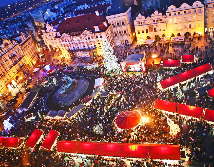 Float Berlin Best Christmas Markets: Birmingham, Bath, Lincoln | Travel ...