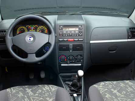 Fiat palio adventure mundoautomotor for Fiat idea adventure 2007 precio