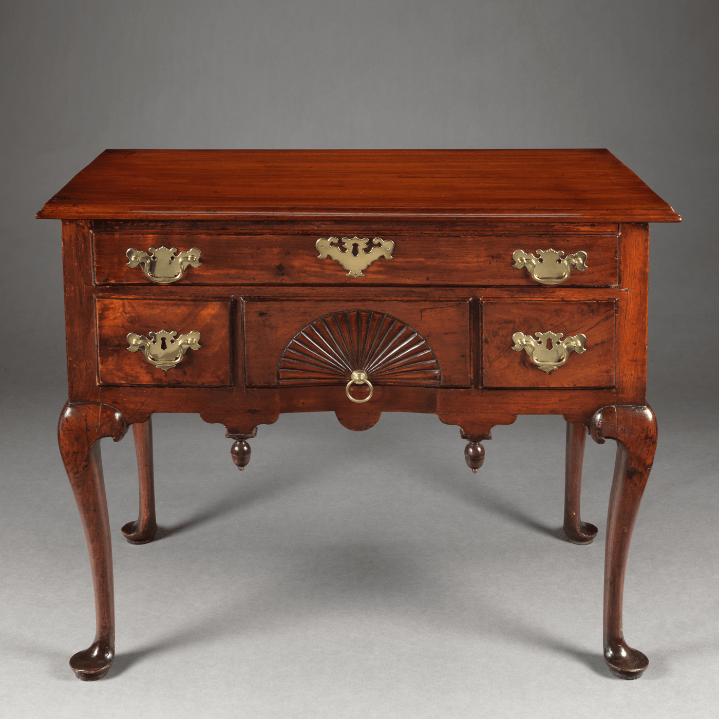 Lowboy Furniture Queen Anne Lowboy With A Carved Fan Drawer