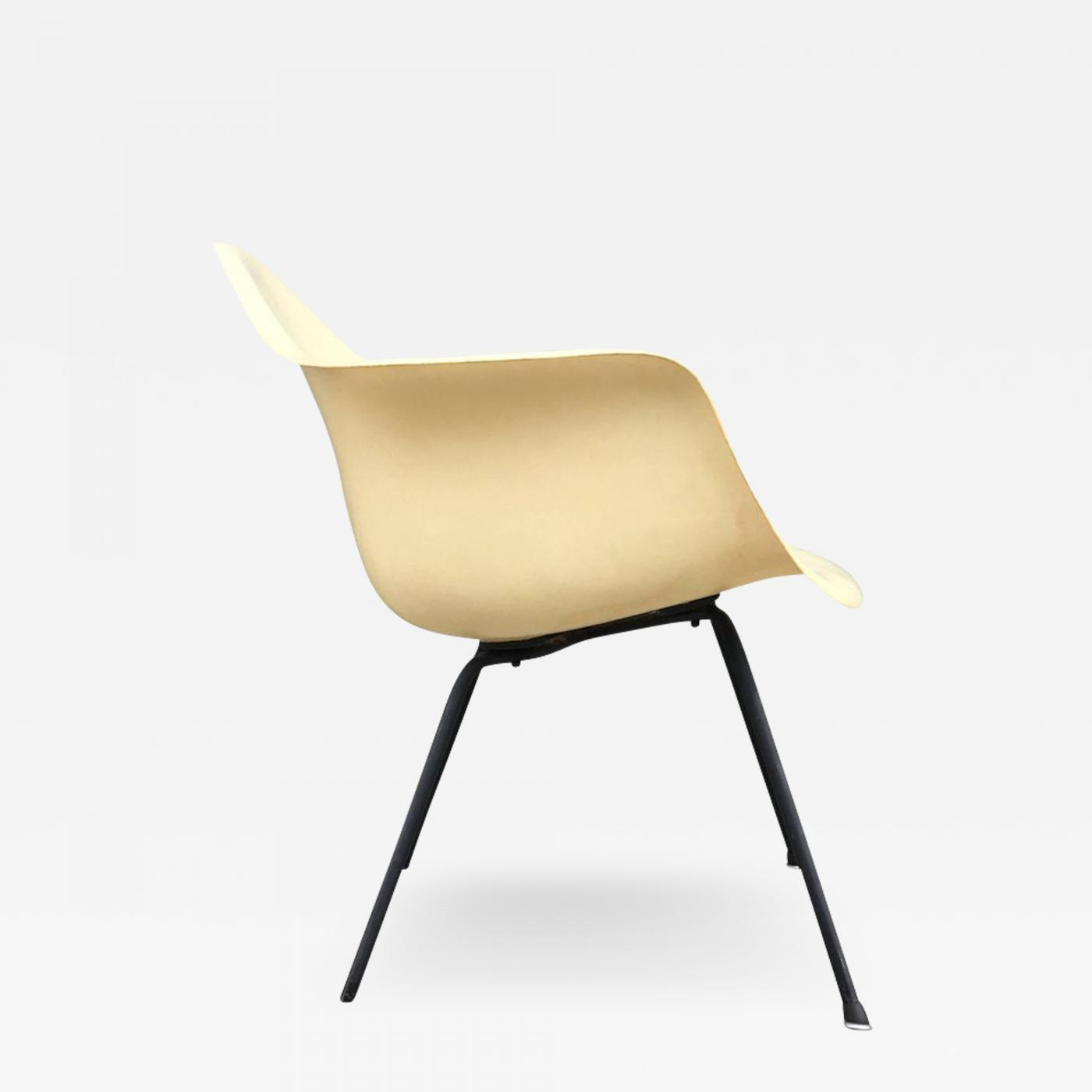 Eames Chair Base Charles Ray Eames Eames Herman Miller Zenith X Base Fiberglass Armchair In Parchment