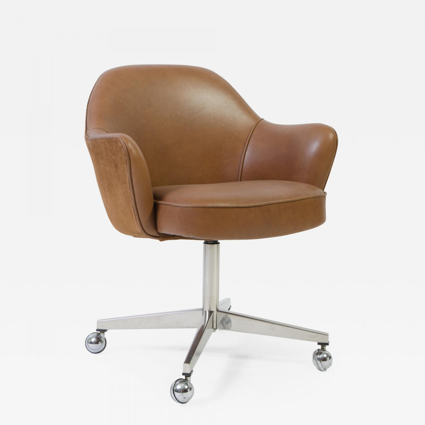 Saddle Office Chair Eero Saarinen Knoll Desk Chair In Contrasting Saddle Leather Suede