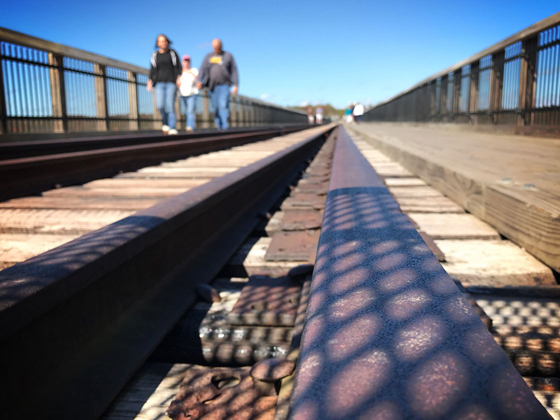 7 Perspective Photography Tips For Unique iPhone Photos