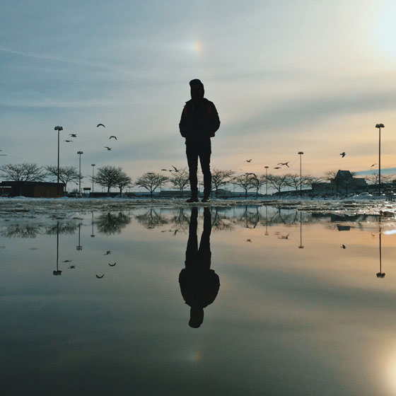 7 Tips For Capturing Amazing iPhone Puddle Reflection Photos