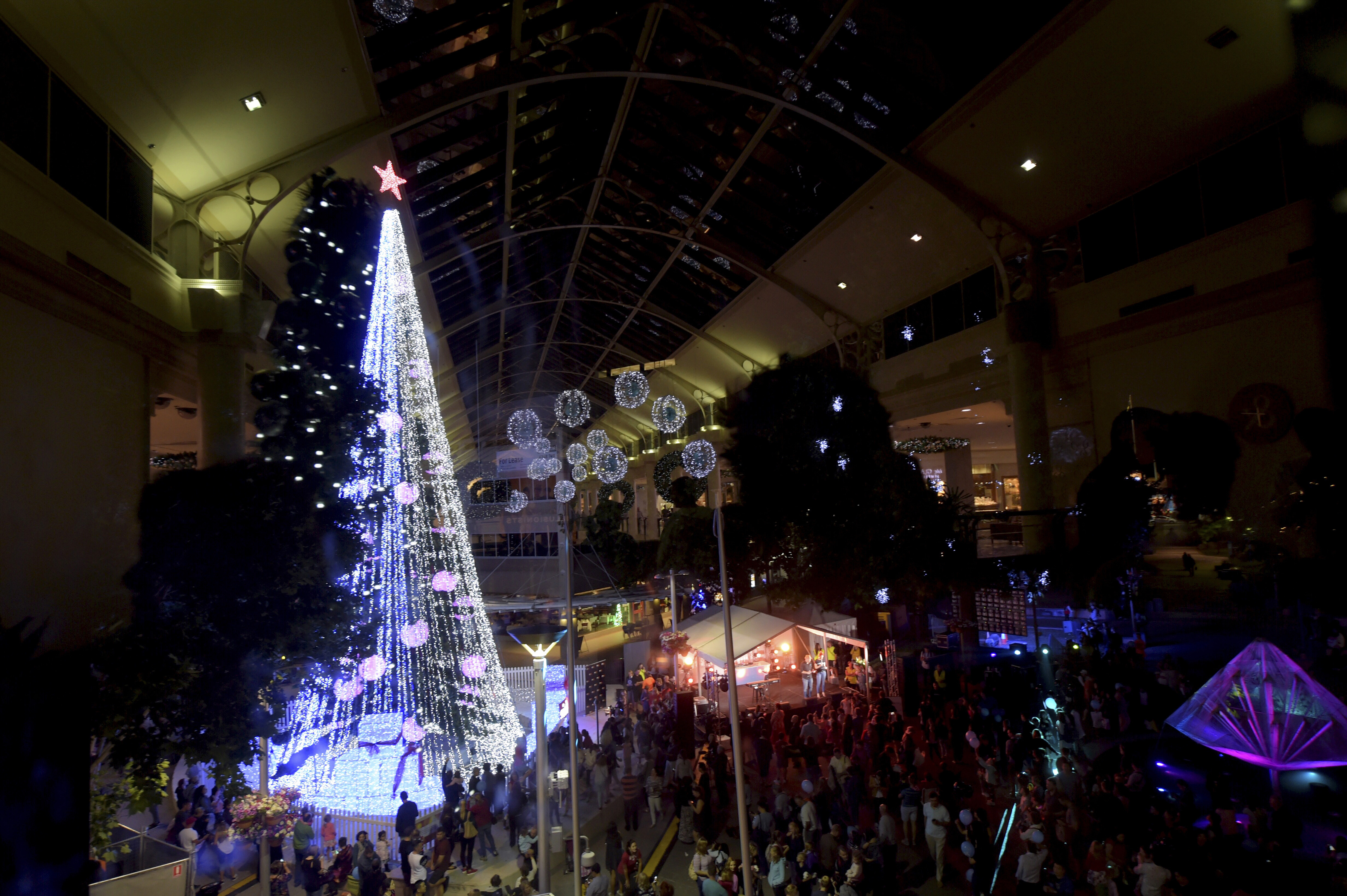 Solar Lights Australia Australian Sets Christmas Tree Record With 518 838 Lights The