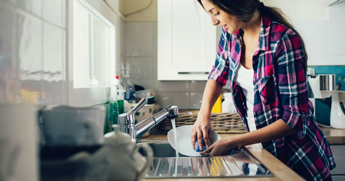 The Best 43 House Cleaning Tips From Housekeepers - Care