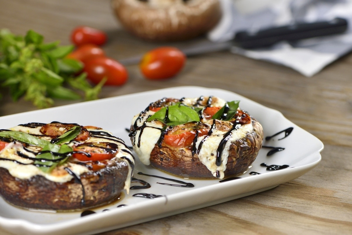 Recetas Para Cocinar Hongos Portobello Portobello Mushrooms Filled With Caprese Salad