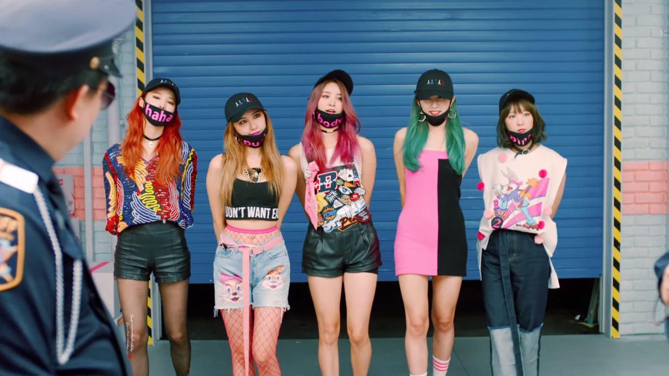 Cosmic Girls Wallpaper Exid Receives Criticisms Over Recent Quot Hot Pink Quot Costumes