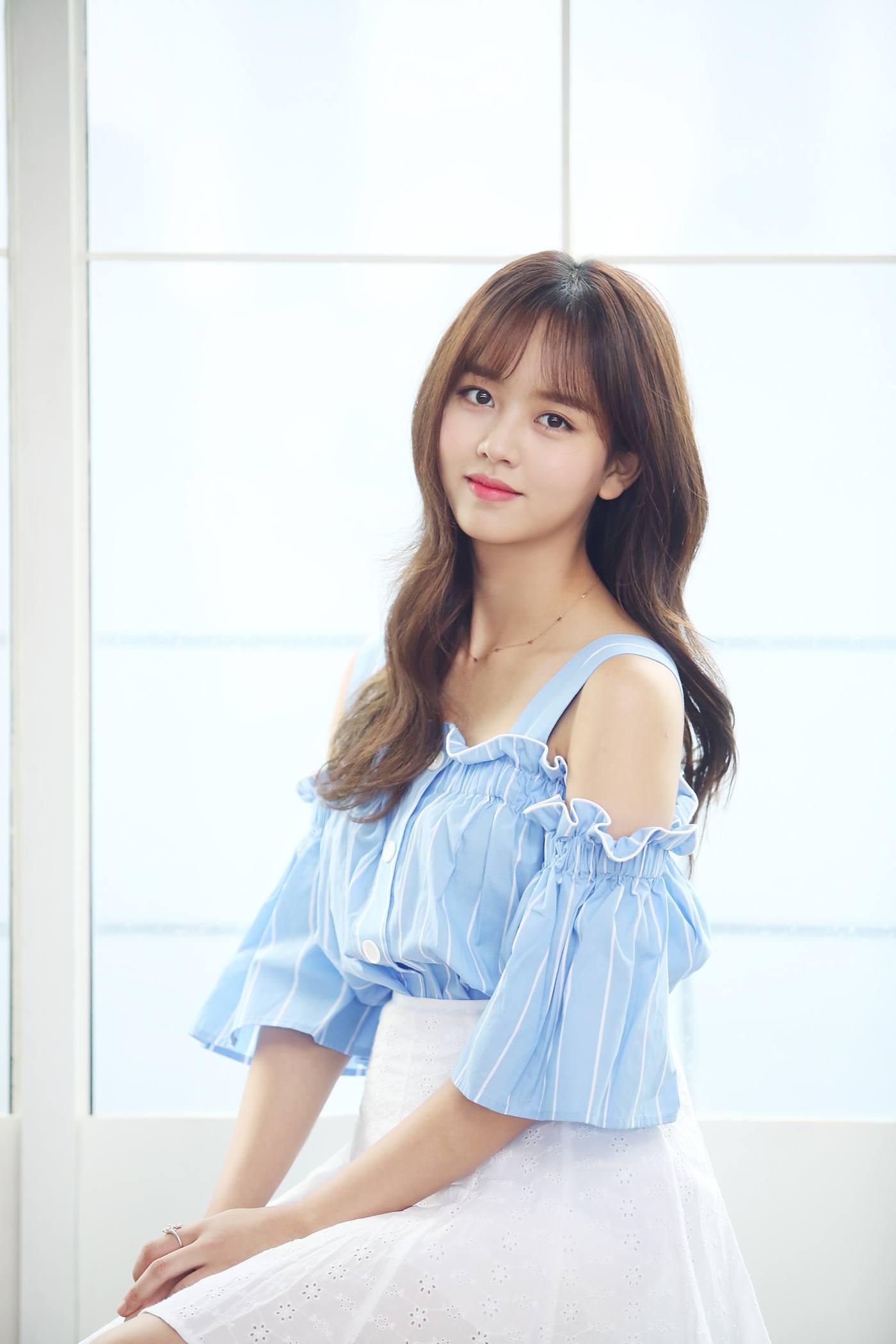 Sad Love Girl Wallpaper Hd Actress Kim So Hyun S Amazing Transformation With Age