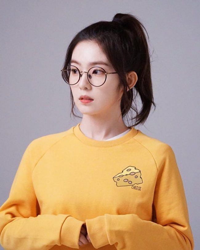 Beautiful Korean Girl Hd Wallpaper This Rising Korean Actress Looks Like She Could Be Irene S