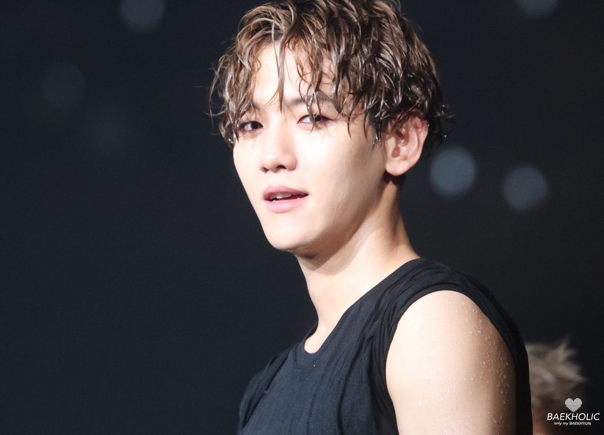 Ji Chang Wook Hd Wallpaper These Gifs Of Baekhyun In A Wet Shirt Are Everything You
