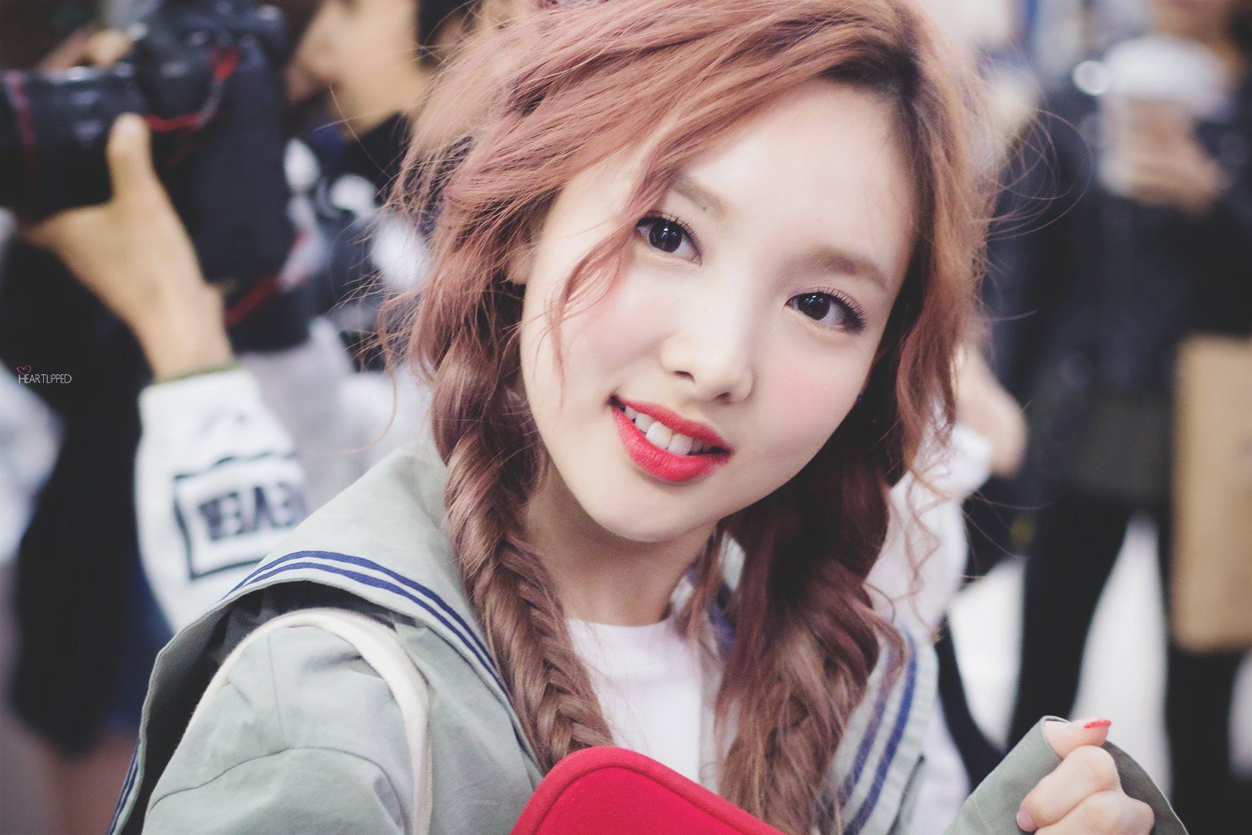 Dahyun Twice Beautiful Girl Wallpaper Twice Nayeon Just Dyed Her Hair Pink Here S What She Look