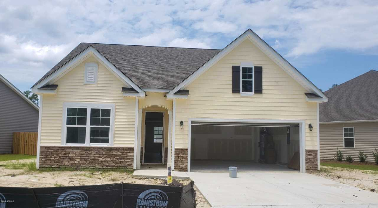 Garage On Beck Home For Sale At 823 Barbon Beck Lane Leland Nc In Hawkeswater At