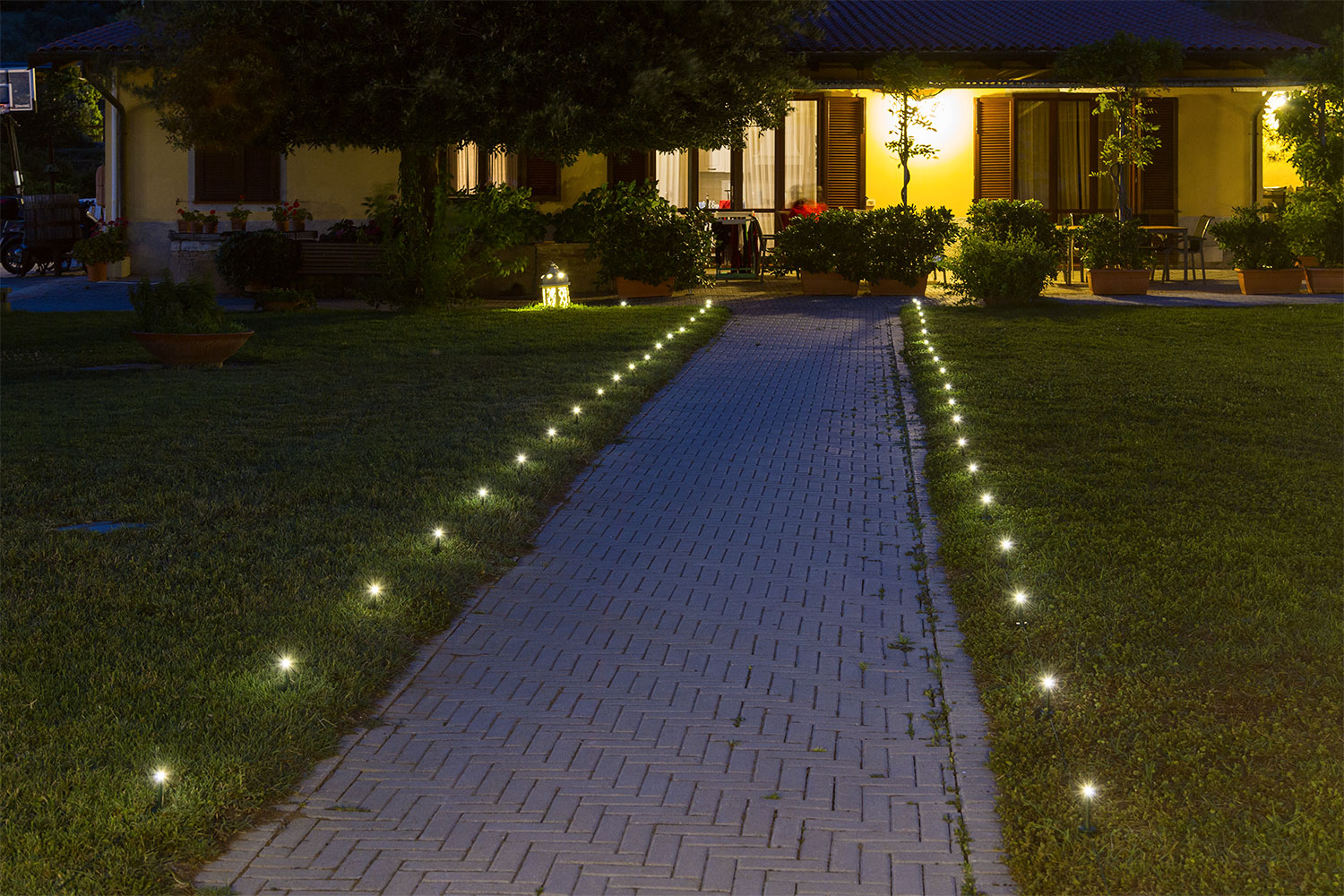 Ideas Jardín Cómo Decorar Un Sendero Con Luces Decorativas Luminal Park