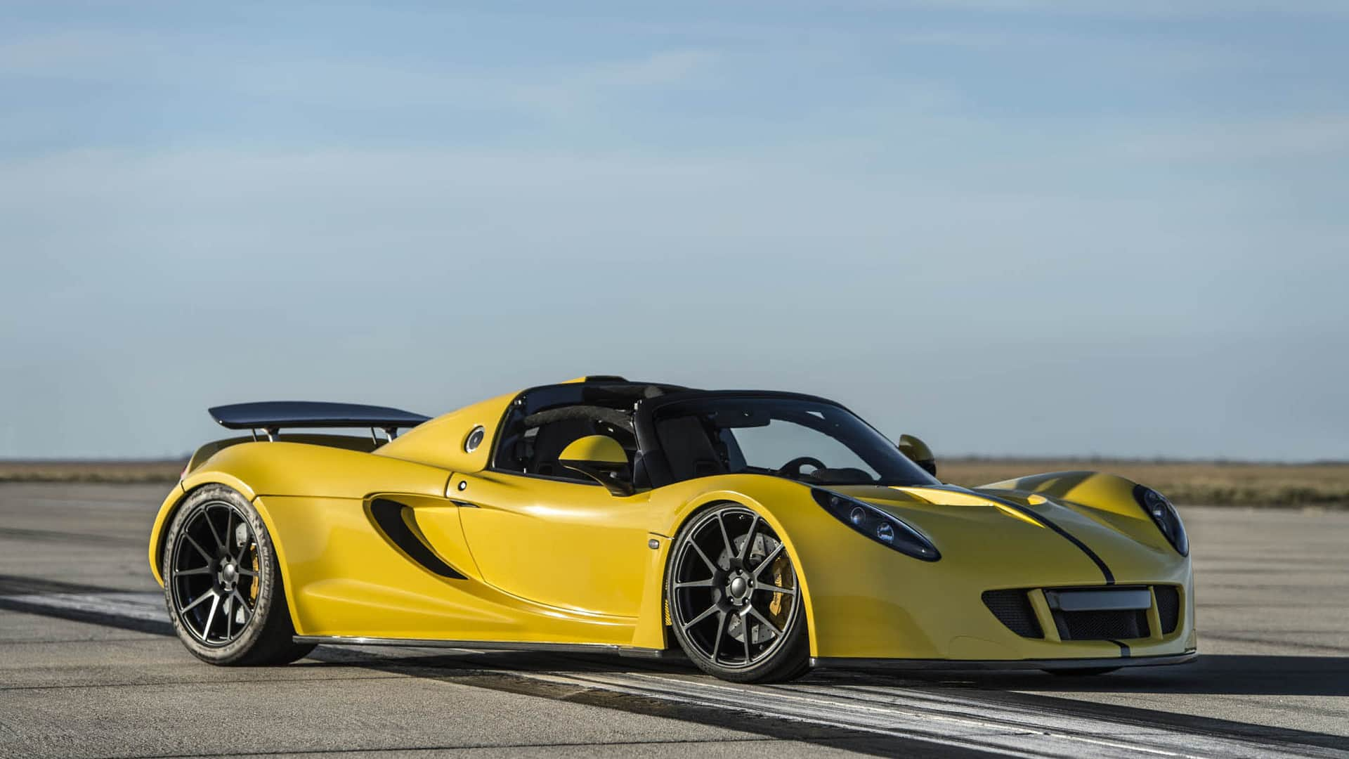 2018 Hennessey Venom F5 The World S Fastest Convertible Is Now The Hennessey Venom Gt Spyder