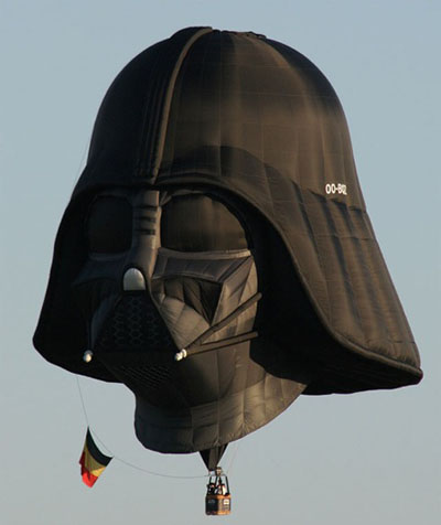 darthvaderballoon2.jpg