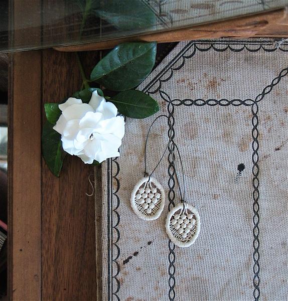 vintage_lace_earrings.jpg