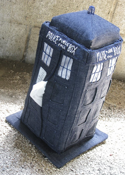 tardis_tissue_cozy_in_use.jpg