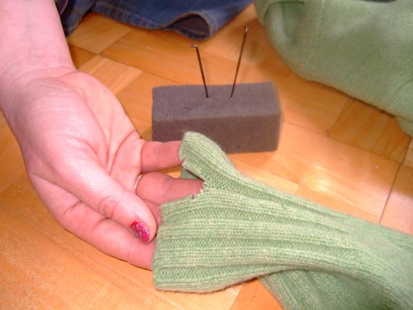 Mend Sweater Felt1-1