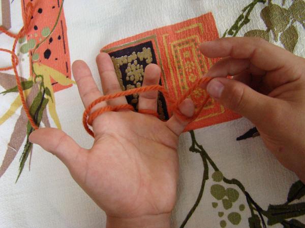 Fingerknitting Step7A-1