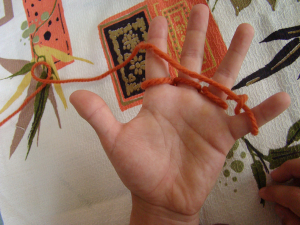 Fingerknitting Step7B