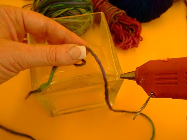 yarnwrappedvase_step2.jpg