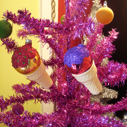 retro_ice_cream_ornaments.jpg