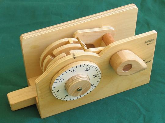 wooden_combo_lock.jpg