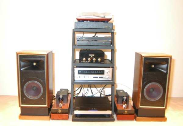 econowave-speakers-setup.jpg