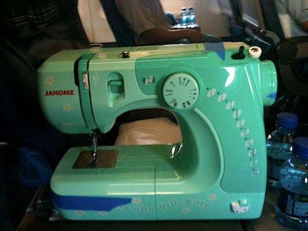 sewing_machine_on_planes.jpg