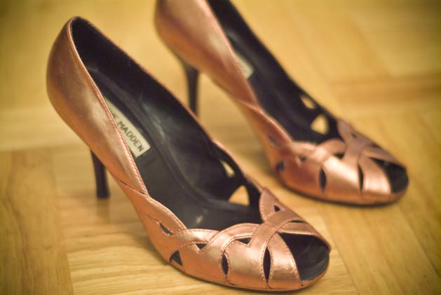 krylon_pen_shoes_web.jpg