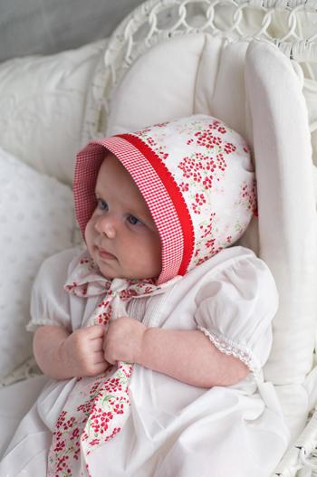 how_to_reversible_baby_bonnet.jpg