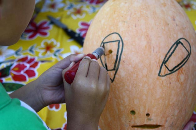 Pumpkin Carving With Kids Step5B