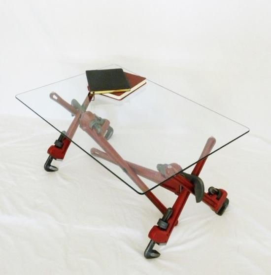 Rohrzangen-Tisch-Couchtisch-Jonathan-Niemuth-02
