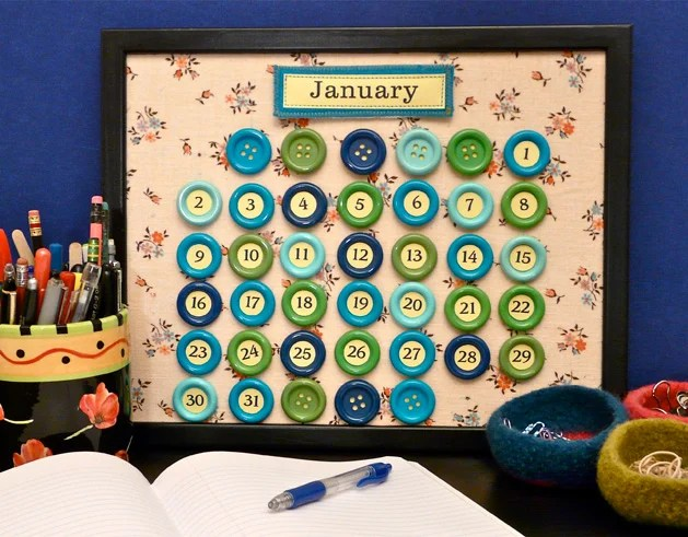 How-To Make a Perpetual Button Calendar for 2011 (and Beyond) Make