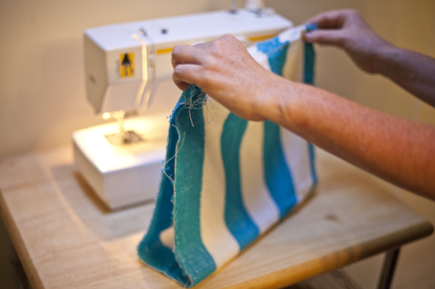 craftzine_towel_bag_04.jpg