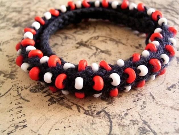 knit_bead_bracelet.jpg