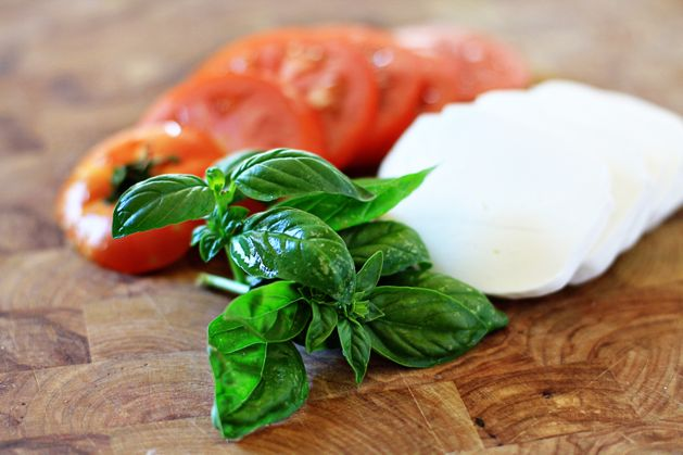 craft-summerproduceguide-basil.jpg