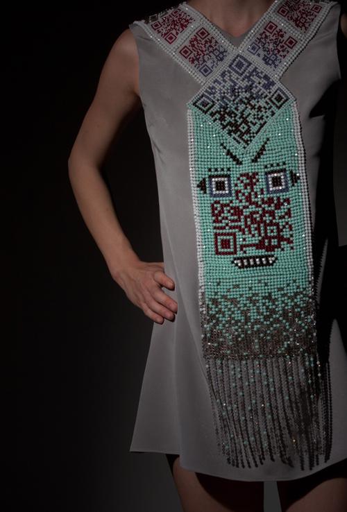 QR_code_dress.jpg