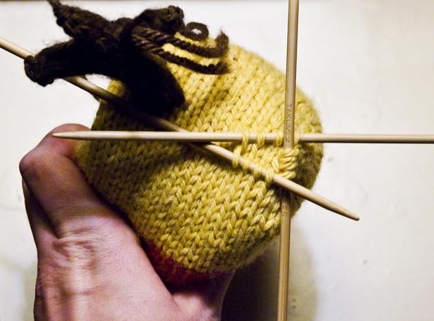 knitcandycorn-figure2.jpg