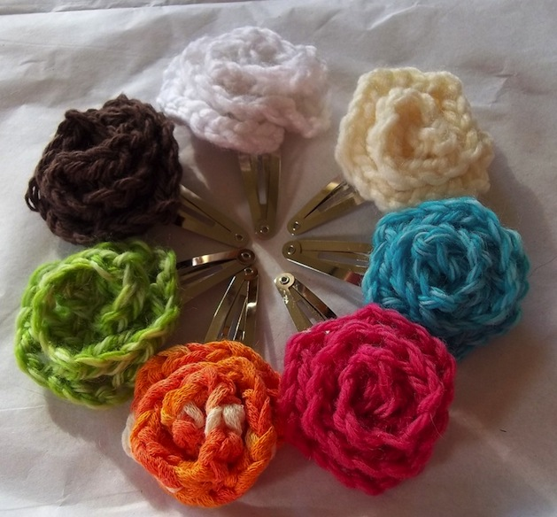 ellenscreativepassage_crocheted_flower_hair_clip.jpg