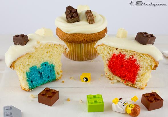 stasty_double_lego_cupcakes.jpg