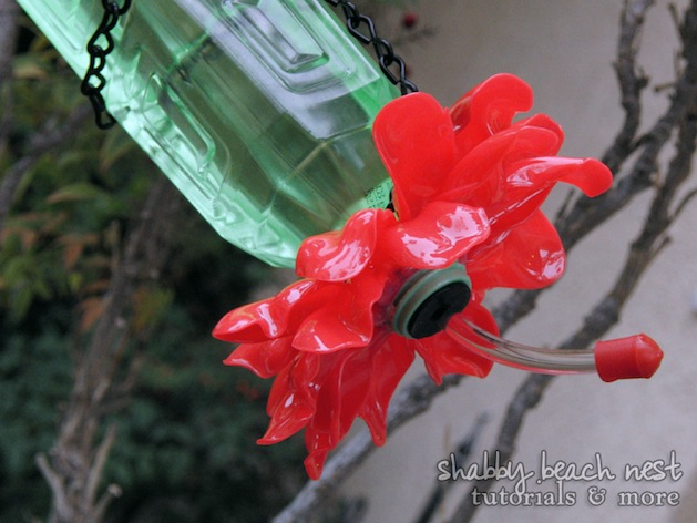shabbybeachnest_Earth_Day_Plastic_Bottle_Plastic_Spoons_Hummingbird_Feeder_Upcycle_Pic_6.jpg