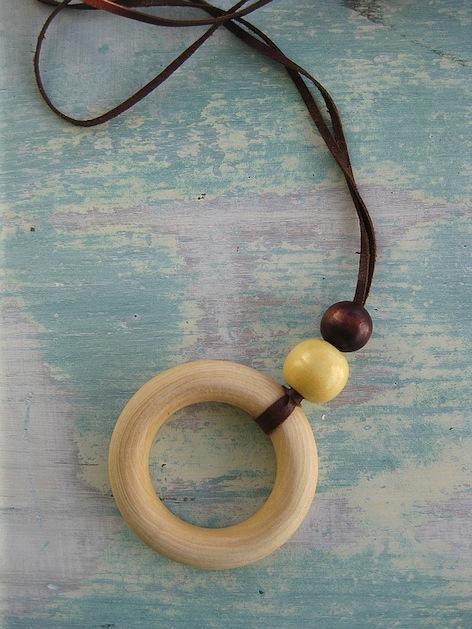 nursing_necklace_flickr_roundup.jpg