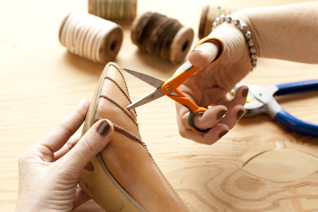 craftzine_laced_stilettos_03.jpg