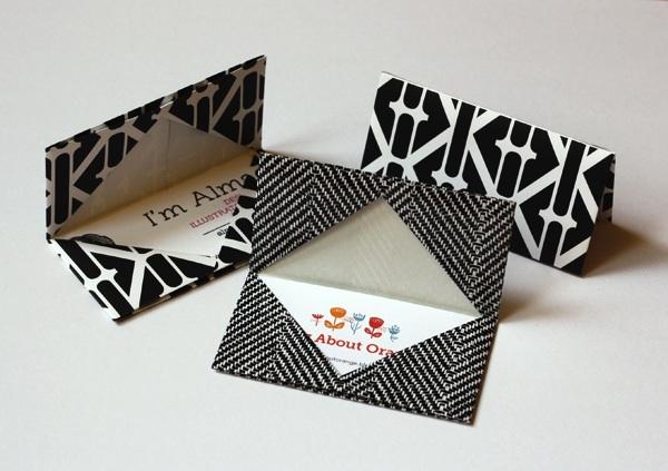 howaboutorange_origami_business_card_holder.jpg
