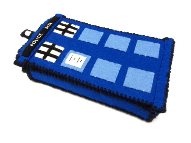 TARDIS_Phone_Charging_Station_Step11.jpg