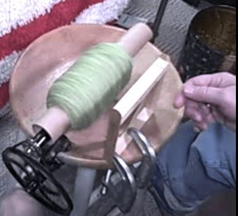 diy-paper-towel-tube-yarn-winder