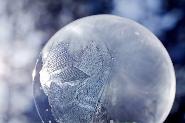 tom falconer_frozen_bubble